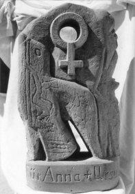 Witches-gravestone-2
